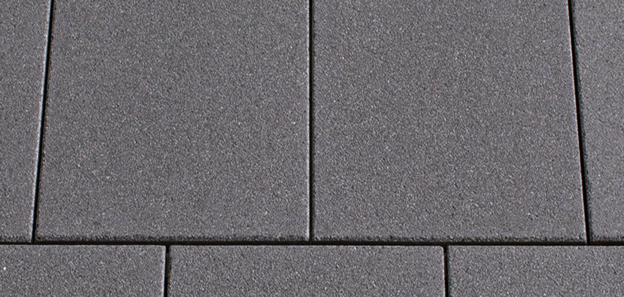 versiegelung von terrassenplatten markante terrassenplatten in bahnschwellenoptik von rimini. Black Bedroom Furniture Sets. Home Design Ideas