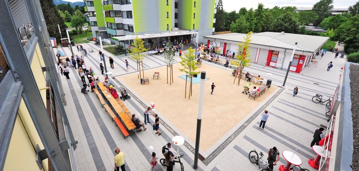 Eröffnung: Else-Liefmann-Platz mit Quartiersfest, Flohmarkt, Stadtteil Weingarten